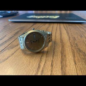 Men's Seiko Gold Tone Watch